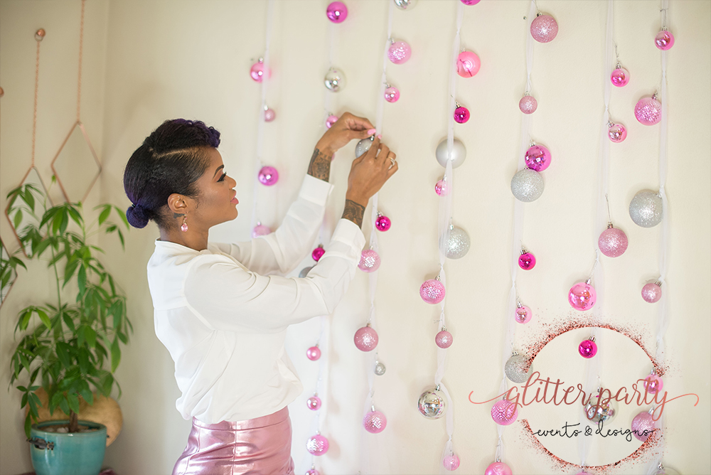 diy christmas photo booth backdrop